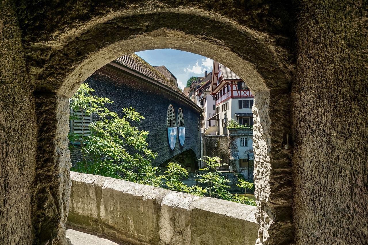 Passage Tunnel Perspective View  - suju-foto / Pixabay